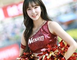 Nữ cổ động xinh đẹp tựa sao Hàn gây sốt mạng