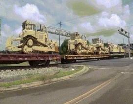 Xe tăng Mỹ dồn dập tới châu Âu để đối phó Nga?