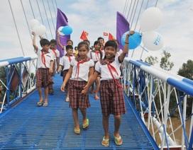 Khi doanh nghiệp xây cầu cho học sinh vùng sông nước