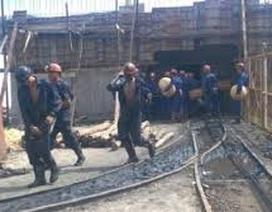 Hai công nhân bị vùi lấp trong hầm lò Quảng Ninh