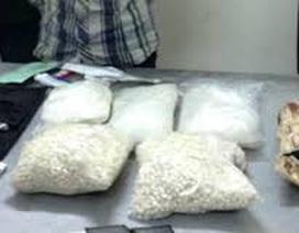 Kiểm tra nhà nghỉ, phát hiện đối tượng vận chuyển 1,5 kg ma túy đá