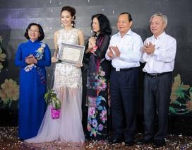 Phim của đạo diễn Dustin Nguyễn đạt cùng lúc 3 giải thưởng