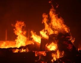 Cháy lớn tại doanh nghiệp tái chế bông vải sợi