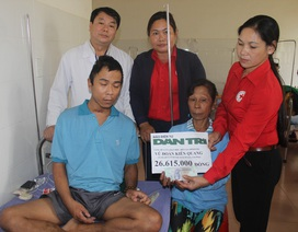 Trao hơn 26 triệu đồng đến gia đình em Vũ Đoàn Kiên Quang