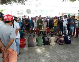 Công an Phú Quốc giáo dục trước dân nhóm thiếu niên trộm cắp, xin tiền du khách…