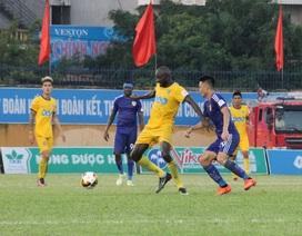 Thua ngược Quảng Nam, FLC Thanh Hoá vẫn đứng đầu V-League