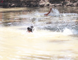 Bạc Liêu: Tập huấn nghiệp vụ bơi an toàn và phòng, chống đuối nước trẻ em