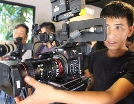 Canon bán máy quay chuyên nghiệp EOS C200 giá gần 200 triệu đồng tại Việt Nam