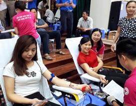 Gần 2.000 người tham gia ngày hội hiến máu tình nguyện