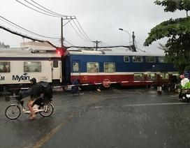 Suýt xảy ra thảm hoạ đường sắt trong cơn mưa trái mùa chiều mùng 6 Tết