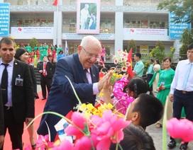 Tổng thống Israel dự thính một buổi học của học sinh TP HCM