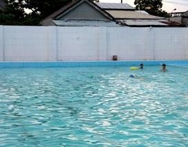 Học sinh lớp 5 đuối nước ở hồ bơi