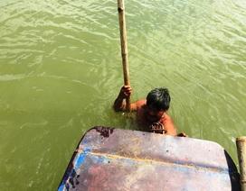 Bảo vệ vật thể được người dân phát hiện dưới lòng sông Chu