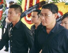 Dàn Táo Quân lặng lẽ đến tiễn biệt mẹ NSƯT Chí Trung