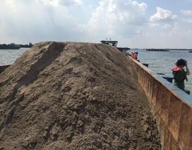 Xử phạt hàng chục sà lan vận chuyển cát lậu