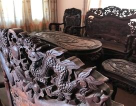 """Ngắm hai bộ bàn ghế """"long, lân, quy, phụng"""" giá gần 10 tỷ đồng"""