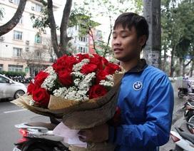"""Hoa hồng 10 triệu/bó """"cháy"""" hàng dịp 8/3"""