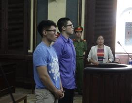 Bị dừng xe, thanh niên Trung Quốc đánh cả cảnh sát