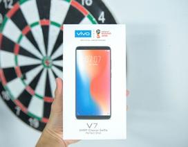 Đập hộp smartphone màn hình tràn Vivo V7 giá 6,9 triệu đồng tại Việt Nam