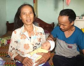 Chuyện nhặt được trẻ sơ sinh bỏ rơi: Niềm vui bất ngờ của vợ chồng hiếm muộn