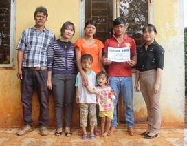 Trao thêm hơn 128 triệu đồng đến gia đình có 2 con bị khuyết tật