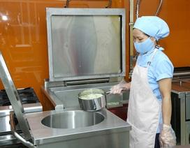 Đầu tư 2 tỉ 30 triệu đồng xây dựng bếp ăn một chiều đạt chuẩn