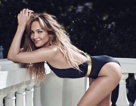 """Jennifer Lopez giải thích lý do cặp với """"phi công trẻ"""""""
