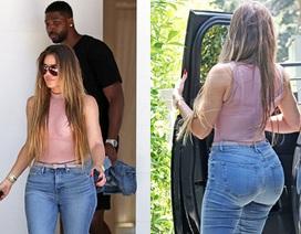 Khloe Kardashian khoe đường cong bốc lửa đi săn nhà cùng bồ trẻ