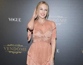 Kylie Minogue: 49 tuổi vẫn trẻ trung, quyến rũ