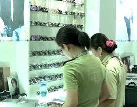 Phát hiện kho mắt kính lậu lớn nhất từ trước đến nay