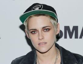 "Kristen Stewart ""chuẩn men"" dự công chiếu phim"