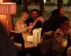 """Robert Pattinson thân thiết với """"bạn thân"""" Katy Perry"""