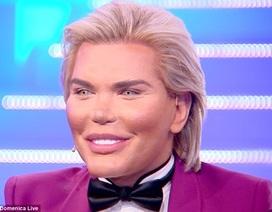 """""""Búp bê Ken"""" Rodrigo Alves cân nhắc việc chuyển giới"""