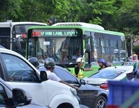 Phân luồng thi công nhà ga Metro, trung tâm Sài Gòn rối loạn