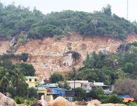 Đồi núi nham nhở vì khai thác đá trái phép ở vùng ven Nha Trang