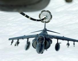 """Phi đội """"chim sắt"""" của Mỹ tham gia chiến dịch không kích IS"""