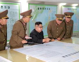 Triều Tiên cảnh báo tiến gần tới nút phóng loạt tên lửa vào Guam