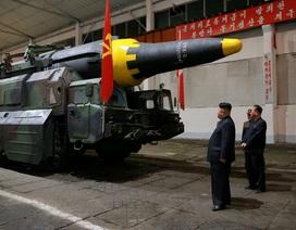"""Lý do Triều Tiên """"sống chết"""" với chương trình phát triển tên lửa"""