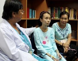 Mắc bệnh hiếm gặp, cô bé 13 tuổi nửa năm không đại tiện