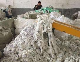Kinh hoàng: Khui đường dây sản xuất bỉm người lớn từ bỉm dùng rồi
