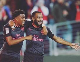 """Lacazette """"phát hỏa"""" ngay trong trận đấu tiên khoác áo Arsenal"""