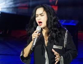 Thanh Lam hát mềm mại, biểu diễn sexy khi hát nhạc Phú Quang