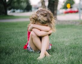 Những hậu quả đeo đuổi đứa trẻ bị lạm dụng tình dục