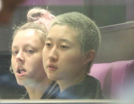 """Con gái """"rơi"""" của Thành Long đón sinh nhật 18 tuổi bên bạn gái ngoại quốc"""