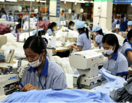Sa thải lao động trên 35 tuổi: Nguy cơ tăng số nhận BHXH một lần