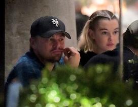 Leonardo DiCaprio đi ăn cùng người mẫu kém 21 tuổi