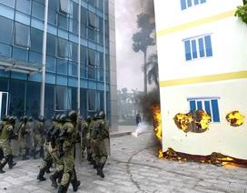 Xem bộ đội đặc công diễn tập chống khủng bố, giải cứu con tin
