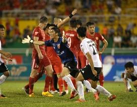 Cầu thủ Long An coi thường khán giả và tình trạng báo động ở V-League