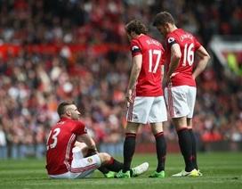 """Mourinho: """"Cầu thủ MU đi vệ sinh cũng gãy chân"""""""