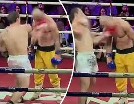 """""""Cao thủ Thiếu Lâm"""" giơ mặt cho võ sĩ MMA đấm liên tiếp"""